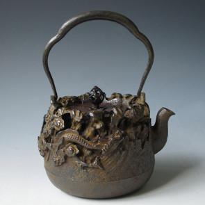 tb76 庄兵衛造 雲に龍地紋鉄瓶 鉄壺 約1.5L【日本製・証明書付き】【海外対応可】