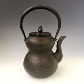 hn972 般若勘渓作 瓢形鉄瓶 唐銅蓋 約1.3L【日本製・証明書付き】【海外対応可】