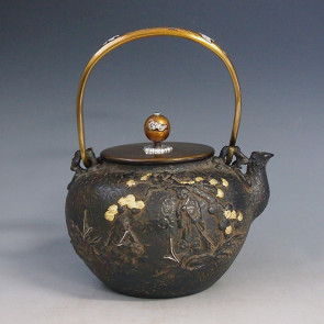 No.tb137, Kibundo iron kettle(teakettle) replica, the design is Two Spirits of Harmony and Union. body inlays silver and gold, Made in Japan, nearly 1.5L