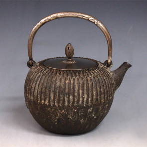 No.tb18a, Zouroku iron kettle (teakettle) replica, design is chrysanthemun flower background with silver color in the knob and knob attachment, Made in Japan,  nearly 1.0L