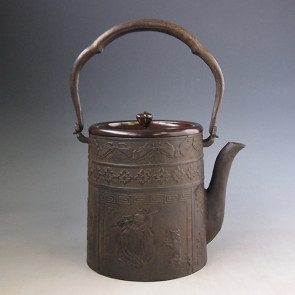 No.tb213, Ueda replica, cylinder shape with  Hotei(good fortune God) background,1.5L, iron kettle