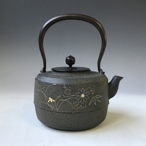 No. tb241, iron kettle with four Chinese painting regular of Four Gental man, made by Jokei, about 1.2L, iron kettle