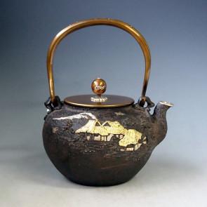 No.tb215, Kibundo iron kettle (teakettle), design is country landscape with silver spout, about 1.7L