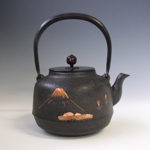 tb222,iron kettle with Mount Fuji landscape copper inlay, made by Masamistu Kikuchi, about 1.5L