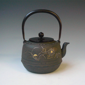 No.tb229, Four gentle man Chinese flower inlay, made by Jyokei Kikuchi, approximately 1.6L, iron kettle