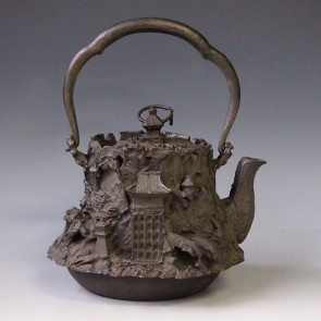No.tb58a, Ueda iron kettle(teakettle) replica, design is Kyoto scenery ,nearly 1.3L