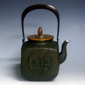 No.tb81a, Ryusendo iron kettle, design is square shape with sword mounting flower pattern, silver spout, nearly 0.9L