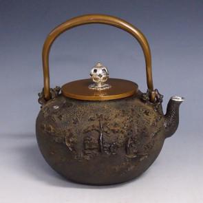 tb111, 龟文堂模本  深山山水图  约 1.5L,龙泉堂造  铁壶