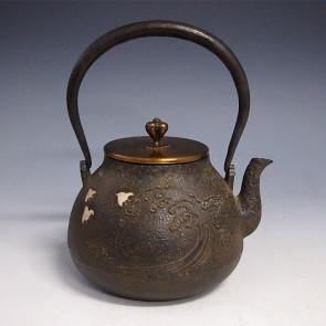 tb157, 雨宫金寿堂模本 波千鸟图 铁壶 约 1.5L, 铁壶