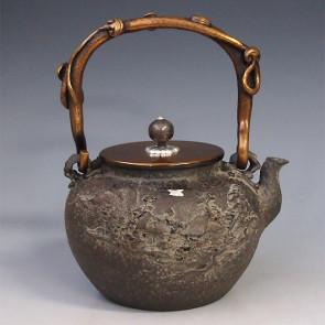 tb190, 龟文堂模本 乡间山水铁壶(小) 壶身银镶嵌  座:银 约1.1L 铁壶