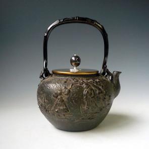 tb193, 龟文堂模本 和合二仙图 座:银 摘手:银彩 约1.5L 铁壶