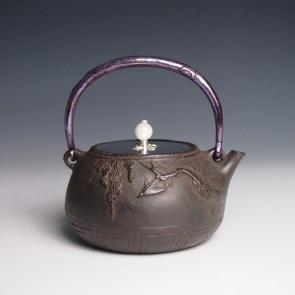 tb20a, 大国模本  紫藤花飞鸟图  约 0.6L, 铁壶
