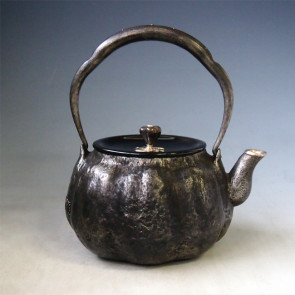 tb214sa, 龙文堂模本 南瓜形铁壶 银口 银座 提手镶银 约1.0L 砂铁 铁壶