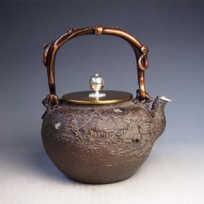 tb217a, 龟文堂模本  田园山水图 银镶嵌 银口 约 1.7L,铁壶