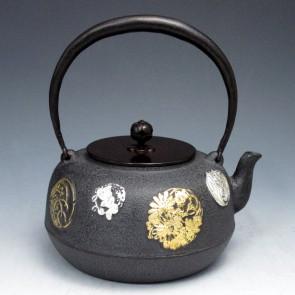 tb41, 麒龙堂,圆花铁壶,花贴金箔 银箔 约 1.6L, 铁壶