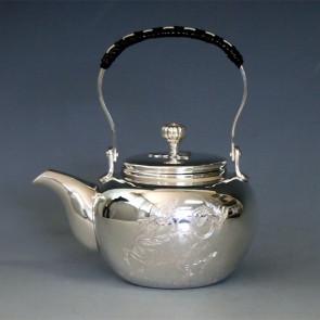 tk100, 纯银 银壶  麒麟雕金 直立提手约 0.2L, 银壶