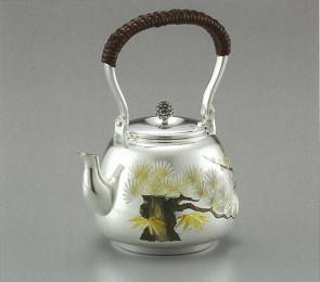 obg-n028, 大渊光则作纯银 泡茶壶 松竹梅图 达摩形 约0.2L 银壶 银瓶