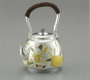obg-n029, 大渊光则作 纯银泡茶壶 四君子雕花 达摩形 约0.2L