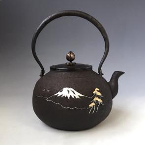 hn2973,般若保造 富士山水镶嵌铁壶