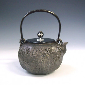 tb147sa, 龜文堂模本 砂鐵材質 八角山水鉄瓶(小) 壺身、提手和抓手銀鑲嵌 約 1.3L, 砂鐵 鐵壺