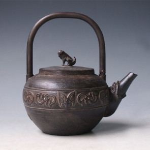 tb209, 藏六模本 鐵砲口饕餮紋小鐵壺 石獅摘 約0.5L 鐵壺 / 泡茶壺