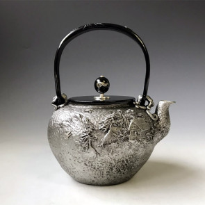 tb22sa,龜文堂模本 溫馨一家砂鐵鐵壺 約1.4L