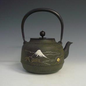 tb230, 富士山風景金銀鑲嵌鐵壺 菊地淨慶作 約1.5L 鐵壺