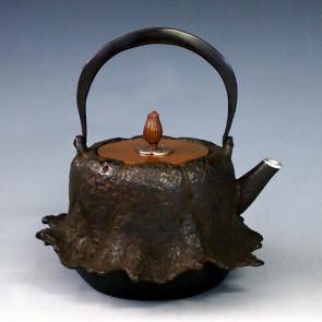 tb40, 龍泉堂造 蓮形鐵壺 壺口包銀 約 0.8L, 鐵壺