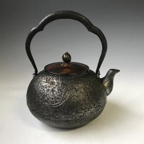 hn901sa, 般若勘溪作 蟋蟀紋 約1.6L 砂鐵 鐵壺