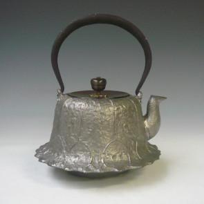 hn2996sa, 金龍堂模本 荷葉鐵壺 般若勘溪作 約0.7L 砂鐵 鐵壺